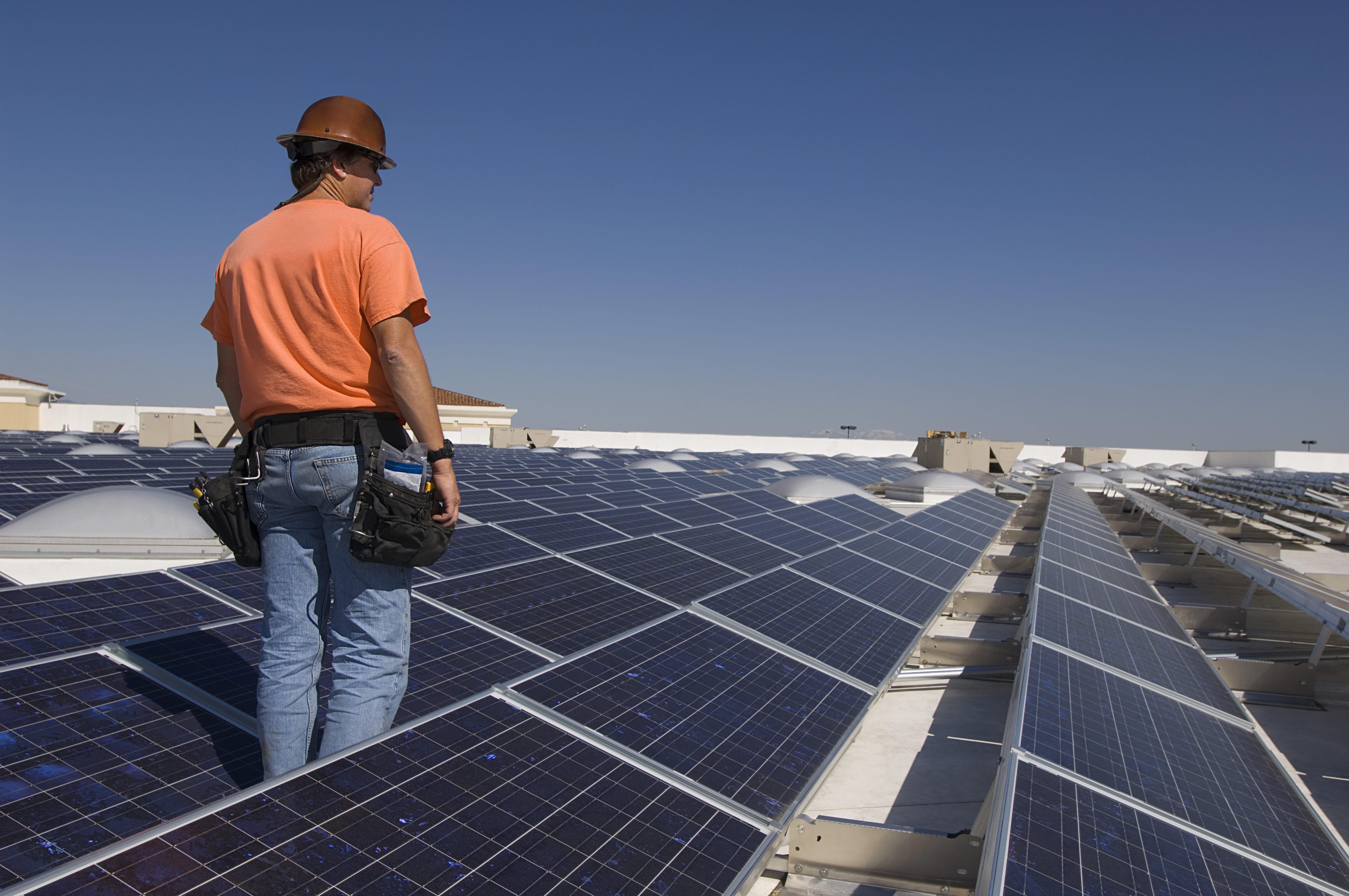 ייצור חשמל סולרי – מה נדרש לשם כך