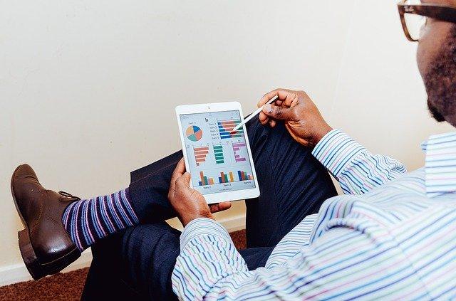 אילו שירותים יכולים לשפר את תפקוד העסק?